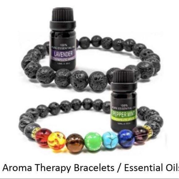 7 Chakras Bracelets & 2 Essential Oils Gift Boxset